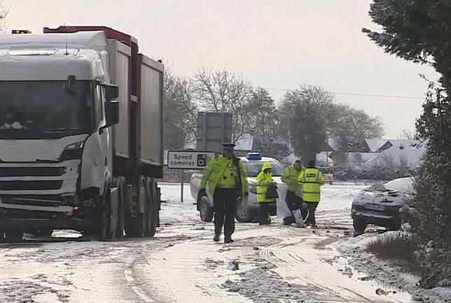 Trzy Polki zginęły w Anglii. Ciężarowa scania uderzyła w clio