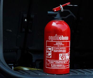 Czy gaśnica samochodowa w ogóle ma sens?