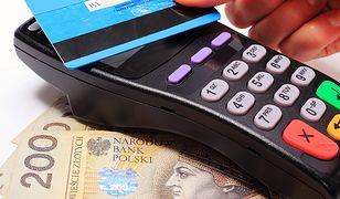 Poseł Nowoczesnej Piotr Misiło dotarł do danych dotyczących płatności kartami służbowymi przez urzędników rządu Beaty Szydło