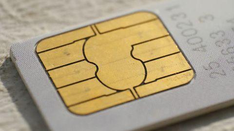 """Szef MSWiA """"przestrzega"""" przed handlem zarejestrowanymi kartami SIM"""