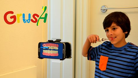 Naucz swoje dziecko szczotkować zęby razem z Grush