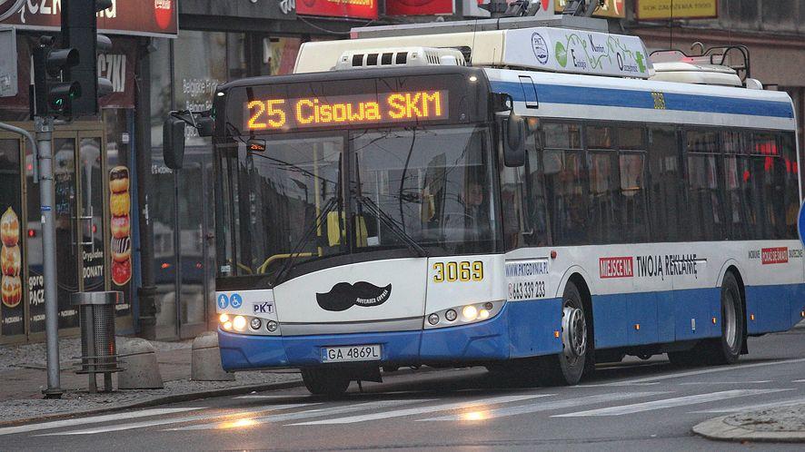 Mapy Google zaczynają informować o tłoku w autobusach (Getty Images)