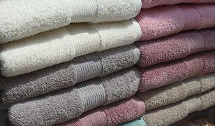 Jak często prać ręczniki? Podpowiadamy, jak o nie dbać, by były miękkie i perfekcyjnie czyste