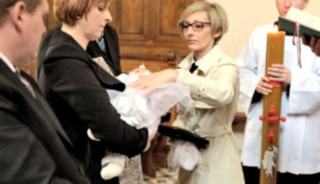 Ile chrzestna daje w kopercie?