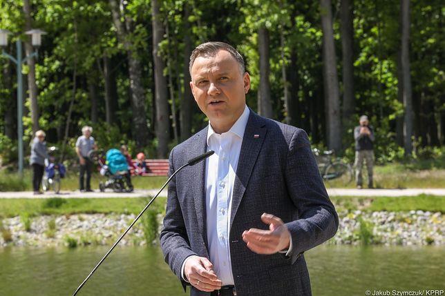 Andrzej Duda zachęcał do tworzenia oczek wodnych i gromadzenia deszczówki. Jednak nie każdy dostanie dotację