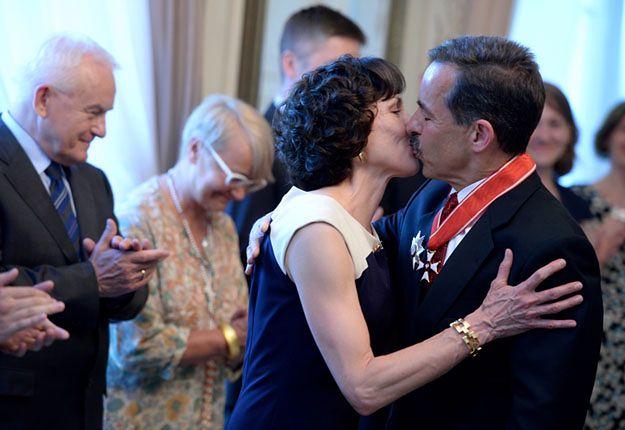 Stephen Mull z żoną Cheri Stephan po tym, jak otrzymał odznaczenie