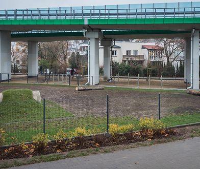 Warszawa. Na Pradze-Południe powstał niezwykły park dla psów [ZDJĘCIA]