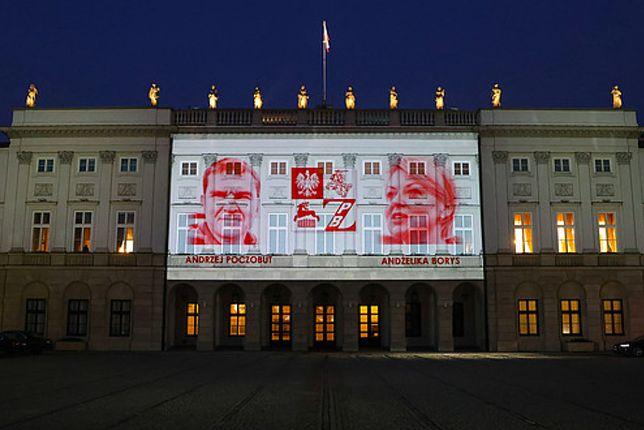 Warszawa. Iluminacja na fasadzie Pałacu Prezydenckiego to gest solidarności z Polakami z białoruskiej organizacji polonijnej