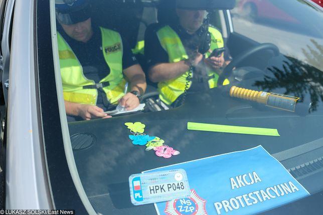 """Protest policji rozpoczął się od niewystawiania mandatów. Teraz przez """"chorobę"""" nie ma kto przyjechać  do kradzieży"""