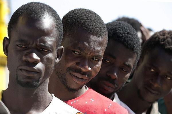 Premier Włoch o kwotach uchodźców