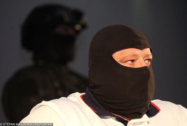"""Świadek koronny Jarosław Ł. ps. """"Masa"""" usłyszał 8 zarzutów, za które grozi mu 10 lat więzienia"""