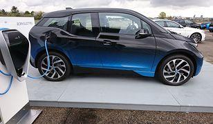 BMW rozpoczyna elektryczną ofensywę - wybuduje aż 100 stacji ładowania samochodów elektrycznych