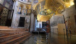 Zalane wnętrze katedry św. Marka