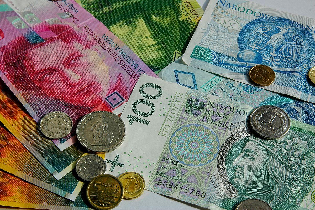 Kursy walut NBP 02.10.2019. Środowy kurs euro, funta, dolara i franka szwajcarskiego