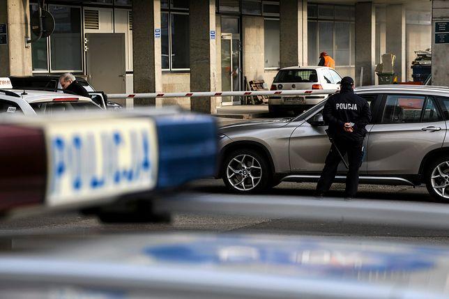 Ciało 15-latka leżało przy drodze. tajemnicza śmierć w Ciecierzycach