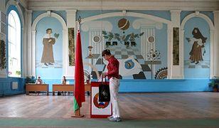 Wybory prezydenckie na Białorusi. Zmobilizowano wojsko, są problemy z internetem