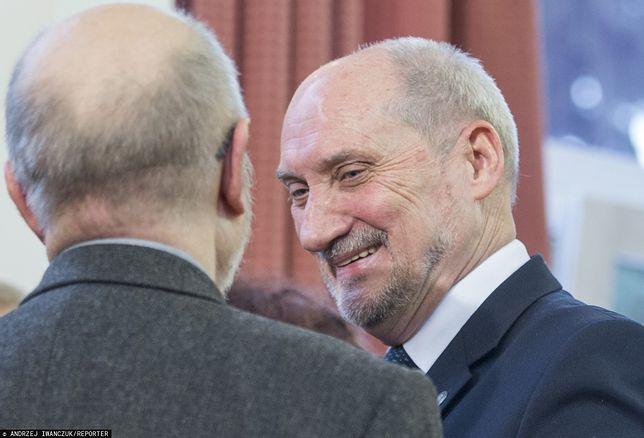 Antoni Macierewicz stoi na czele smoleńskiej podkomisji od ponad 2 lat