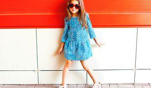 Sukienki dla dziewczynek powinny być luźne i rozkloszowane