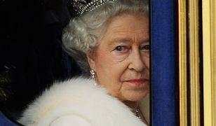 Trupy z szafy Windsorów, czyli o czym nie mówi królowa