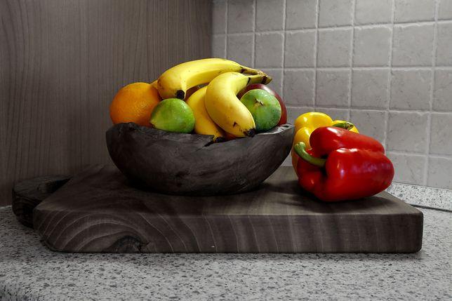 Bananów nie należy przechowywać wraz z innymi owocami