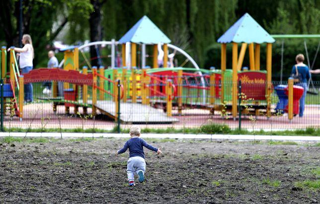 Koronawirus. Sosnowiec. 500 złotych mandatu - taką karę przewidziano za złamanie zakazu wchodzenia do parków