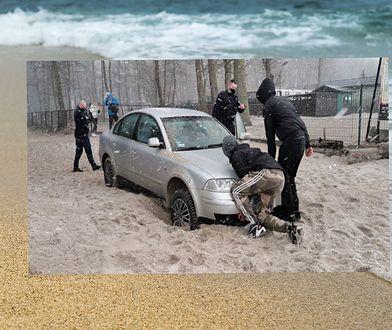 Kołobrzeg. Zakopał się autem na plaży, teraz ma kłopoty