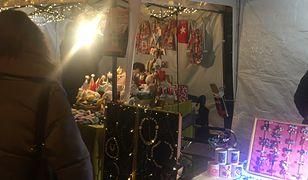 Wrocław. Świętowanie empatyczne. Nieśmiali mogą podrzucić prezent pod drzwi sąsiada