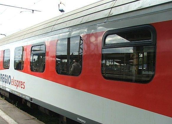 Nowoczesność na miarę polskiej kolei - w wagonie multimedialnym trzeba mieć własny prąd