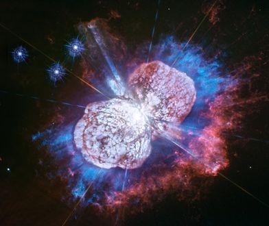 Kosmiczny Teleskop Hubble'a raz po raz przedstawia nam genialne zdjęcia