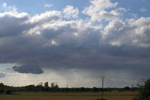Chmury nad Polską - prognoza pogody na 25 i 26 czerwca