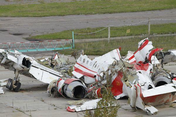 Szczątki polskiego samolotu Tu-154M