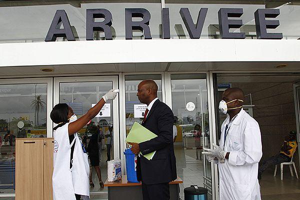 WHO wzywa do kontroli pasażerów w krajach dotkniętych wirusem Ebola