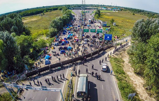 Rząd Węgier: ukończyliśmy budowę ogrodzenia na granicy z Chorwacją