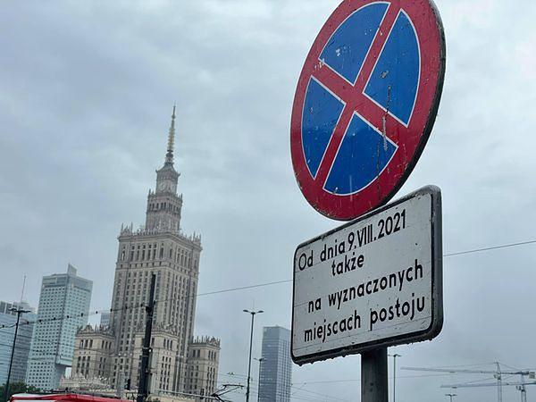 Warszawa. Od poniedziałku ruszają prace na rondzie Dmowskiego. Zakończą się na przełomie 2021 i 2022 roku. Wtedy piesi i rowerzyści będą mogli zapomnieć niedogodnościach związanych z koniecznością schodzenia do podziemi