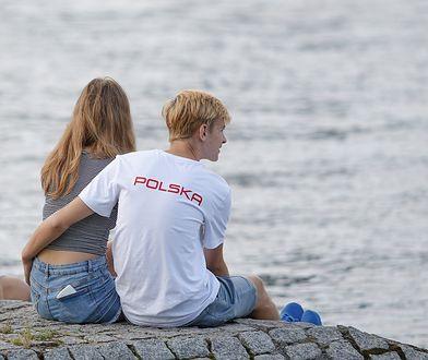 W 2018 r. aż 74 proc. ankietowanych Polaków wierzyło w miłość od pierwszego wejrzenia