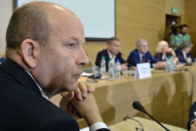 Minister zdrowia Konstanty Radziwiłł zmienił poglądy o 180 stopni.