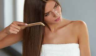 Naturalne sposoby na proste włosy - jak prostować włosy bez prostownicy?