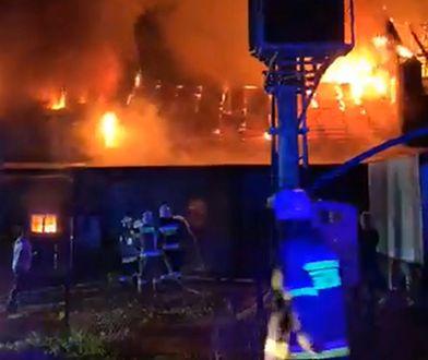 Małopolska. Pożar zakładu w Izdebniku. Ewakuacja w pobliskim DPS