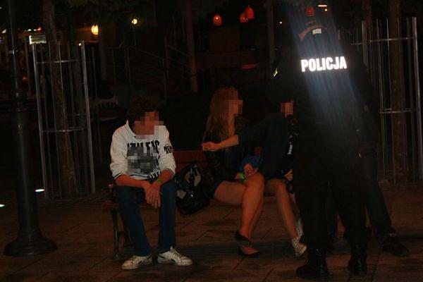 Pijana młodzież, bójki i interwencje - tak wyglądały połowinki w Trójmieście