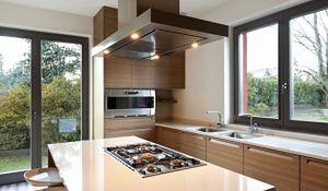 Jak wybrać okap kuchenny - sufitowy, wyspowy czy kominowy?