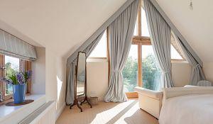 Najlepsza dekoracja okna: firany i zasłony