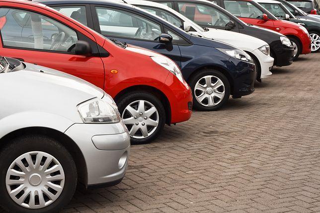 Jeśli chodzi o ukrycie wad samochodu, sprzedawcy bywają bardzo pomysłowi
