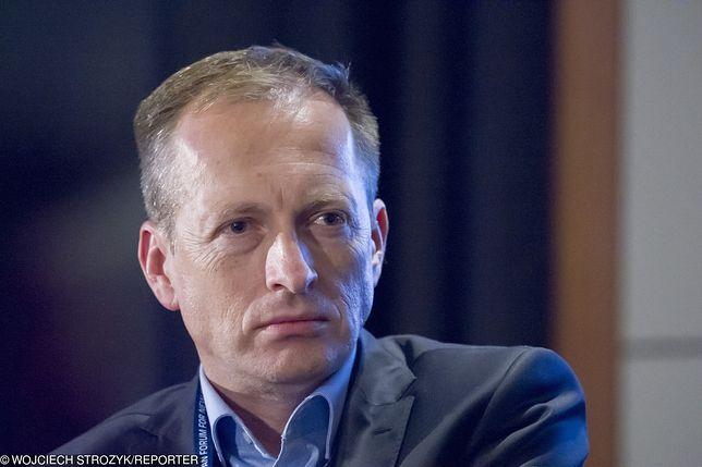 Piaskiem po oczach - program Konrada Piaseckiego znika z ramówki TVN.