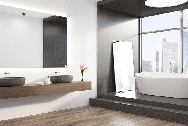Lustro stojące w łazience - modny akcent we wnętrzu