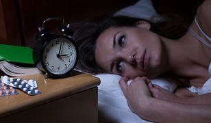 Jak zasnąć w mniej niż minutę? Jest pewna metoda