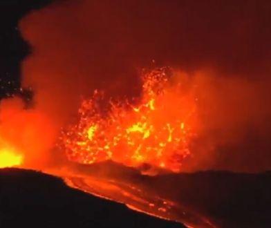 Wulkan Etna znów pluje lawą