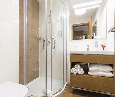 Jak dopasować brodzik do kabiny prysznicowej?