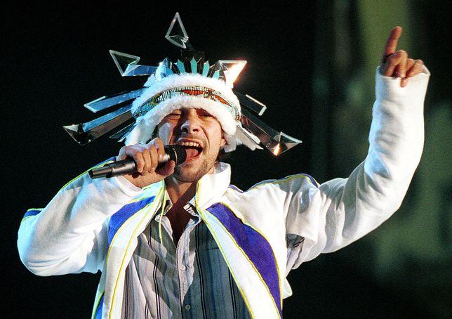 Jay Kay, wokalista zespołu Jamiroquai (2001)