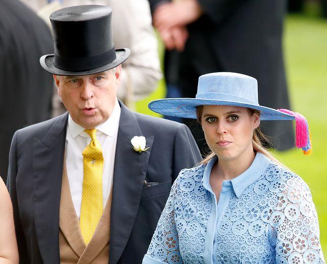 Księżniczka Beatrycze cierpi za grzechy ojca. Wciąż nie wiadomo, kiedy dojdzie do jej ślubu