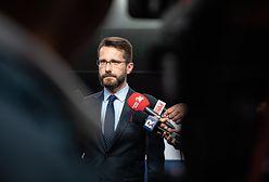Stanisław Piotrowicz ma przeprosić sędziów. Radosław Fogiel o wyroku